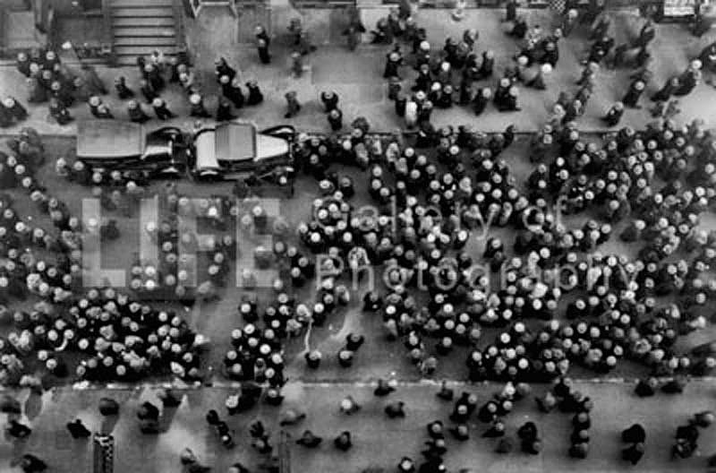 Margaret Bourke-White, Hats in the Garment District 1930, Silver Gelatin Print