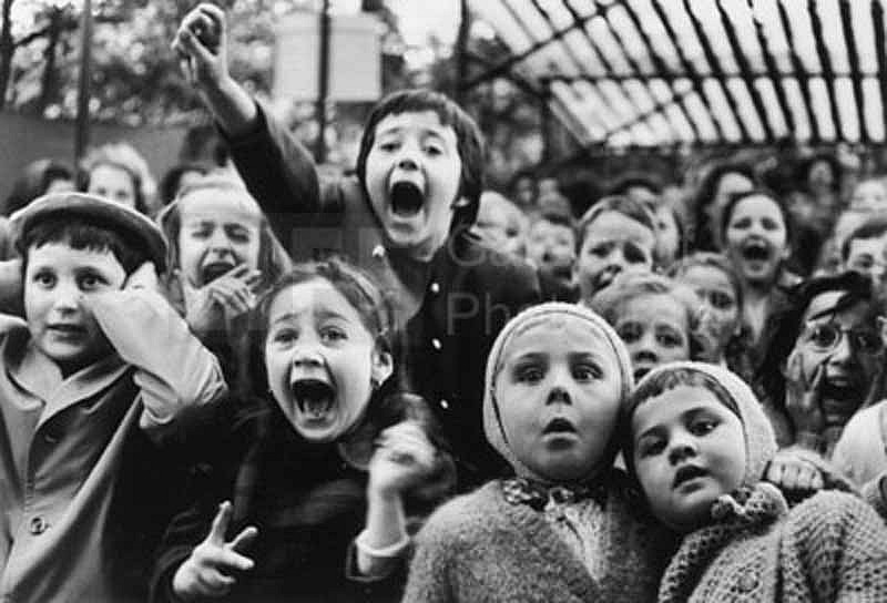 Alfred Eisenstaedt, Children at Puppet Theatre 1963, Silver Gelatin Print