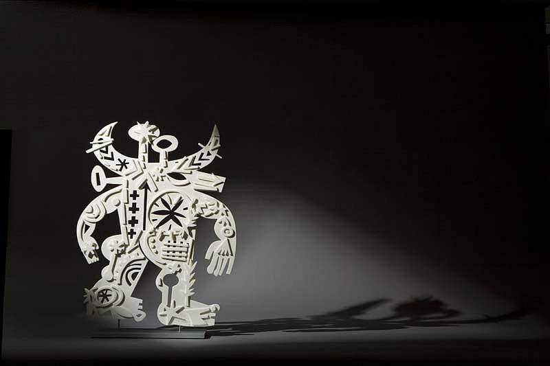 Mark T. Smith, Magnetic 2009, Cast Parian Sculpture