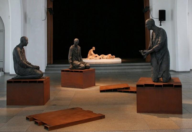 Hanneke Beaumont, Connected - Disconnected 2010, Bronze Sculpture