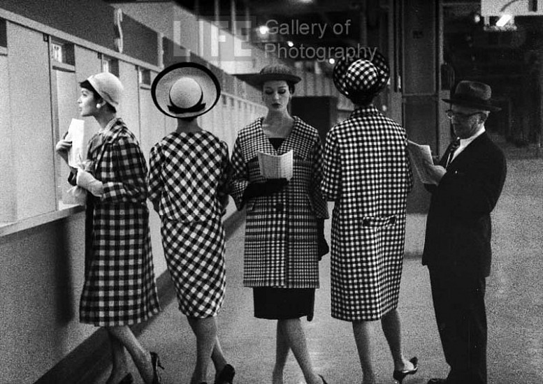 Nina Leen, Race Track Fashions at Roosevelt Raceway Window, New York 1958, Vintage Silver Gelatin Print